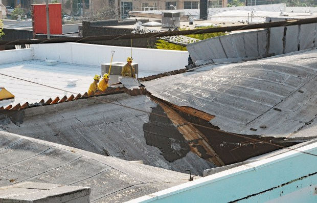 flat roof, flat roofs, flat roofs construction, flat roof replacement, flat roof drainage, flat roof drainage issue, flat roof drainage system,